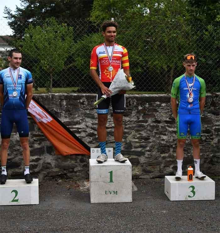 Le podium final de la course